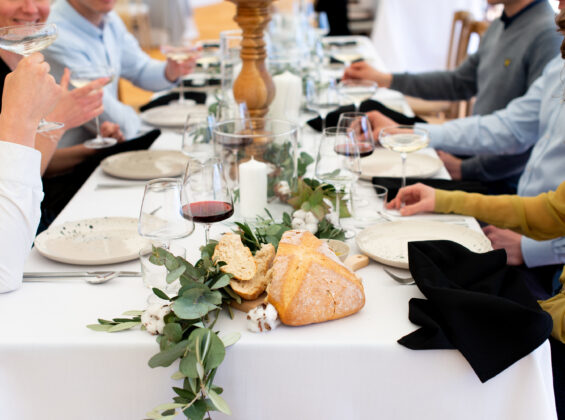 Dining with Jet Black napkins on Arctic White table cloth