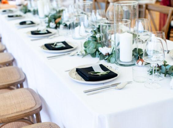 Jet Black napkins on Arctic White table cloth